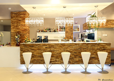 Bar In Salotto.Vacation In Villa With Bar Restaurant Swimming Pool